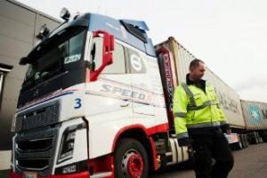 Więcej mega ciężarówek na drogach Finlandii